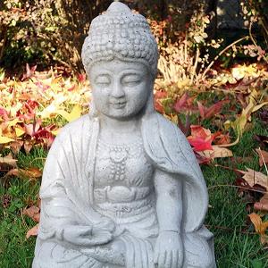 Boeddha tuinbeeld Bhumisparsha zittend 33cm